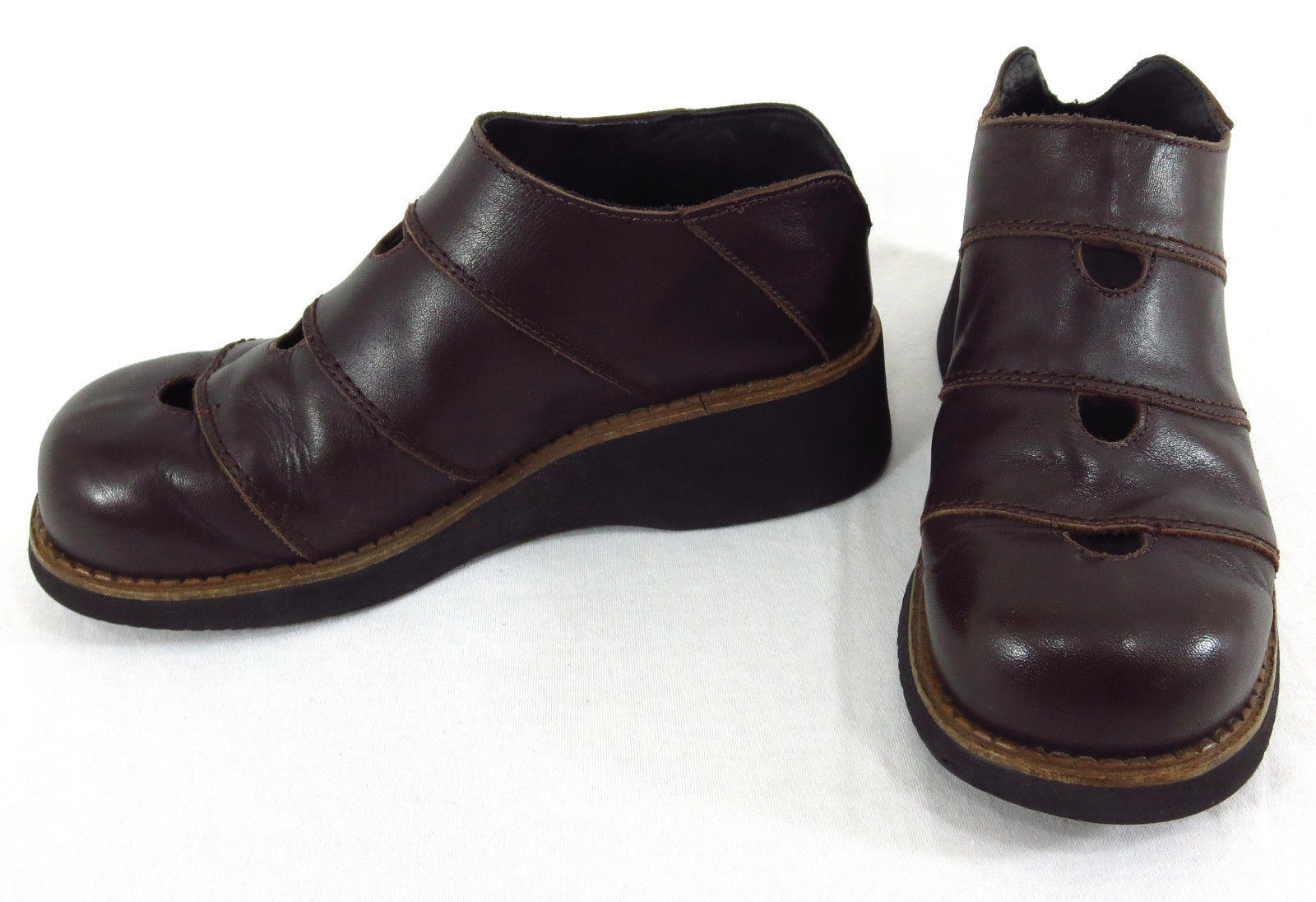 Louie shoes 6.5 US 36 EU Brown Leather Cut Out Wedge Thick Sole Slip On Spain