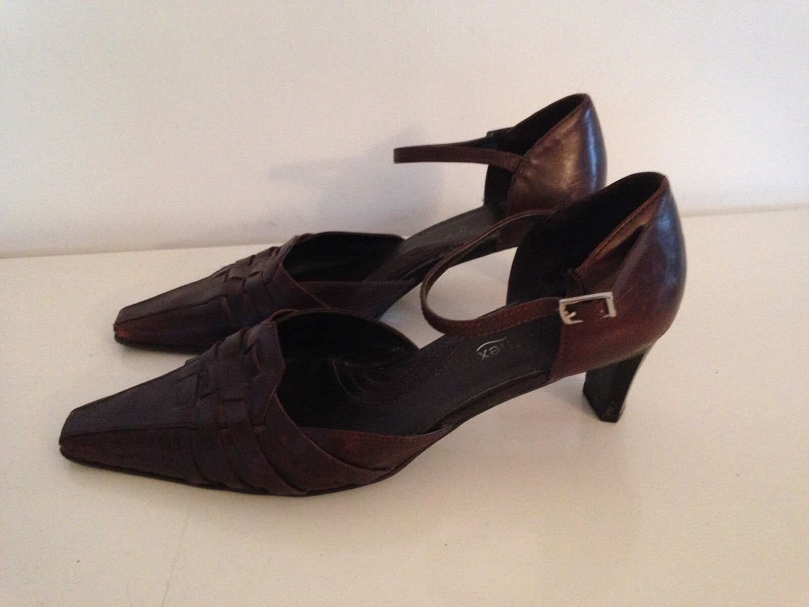LOVELY ANKLE STRAP BROWN SHOES LEATHER SHOES BROWN / 5d83d5