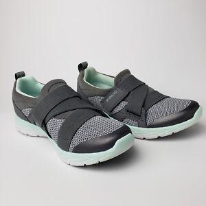 Brisk Dash Slip-on Sneaker Size