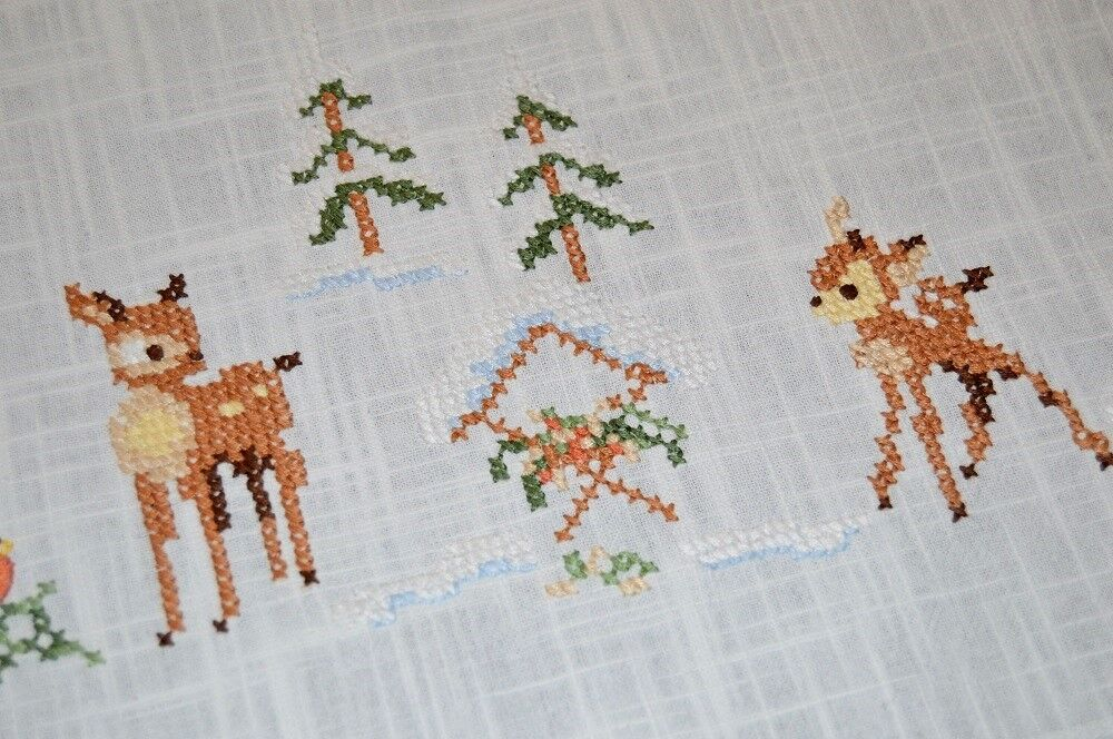 BABY DEER WATCH OVER MANGER OF JESUS  VTG GERMAN CHRISTMAS TABLECLOTH + FREE
