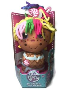 Flip Zee Girls Zandy Candy Sweet And Cuddly 2-in-1 Plush Doll New in Box