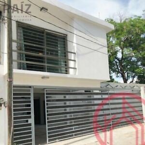 Casa en venta de 5 recamaras en Tabasco 2000
