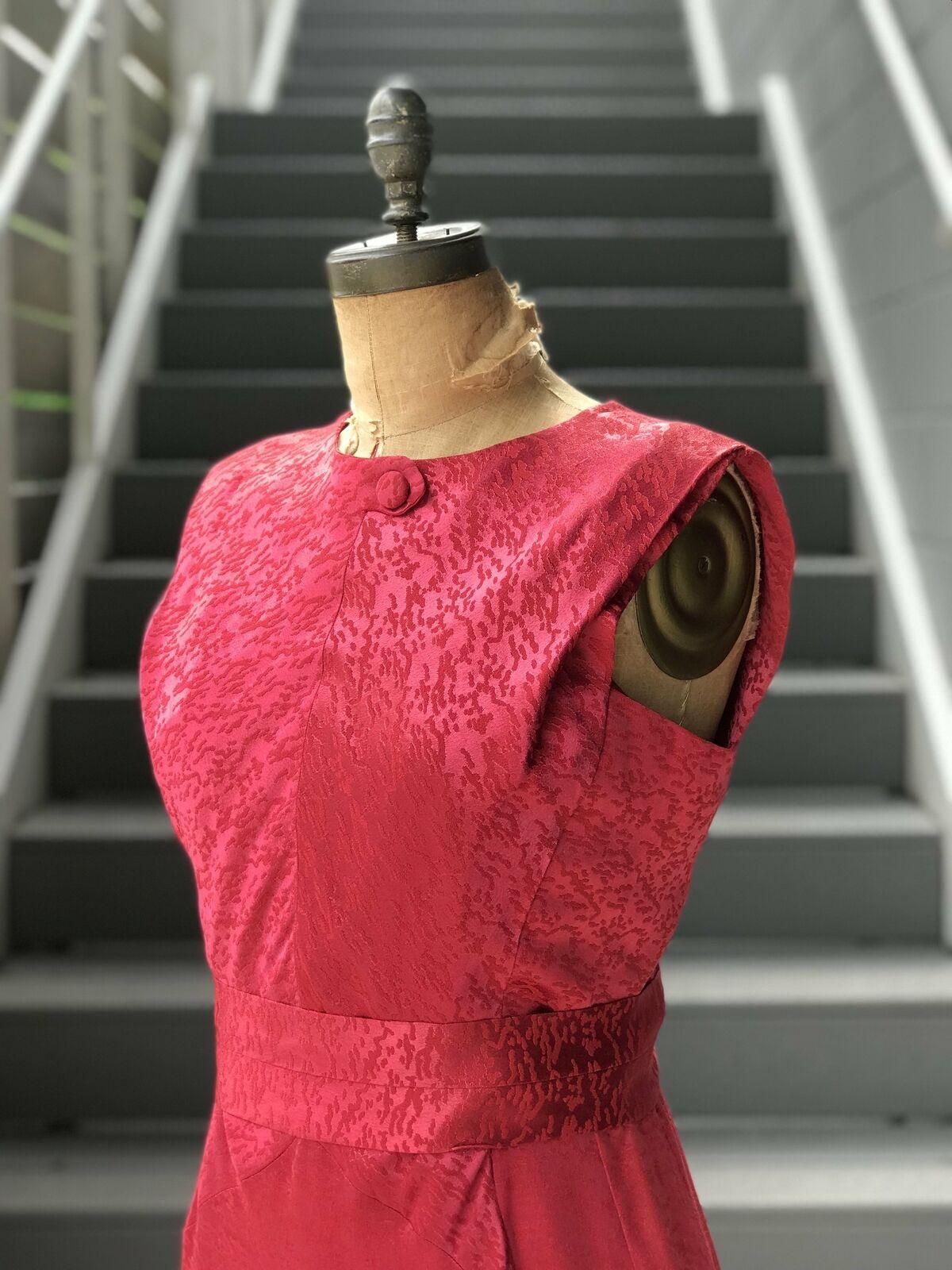 1950s Rasberry Jacquard Formal Dress + Belt - image 8