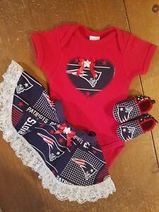 New England Patriots Newborn Little Tailgater 3-Piece Creeper Set