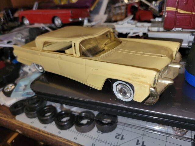 AMT 1958 Lincoln Continental 4 Dr. Ht. Dealer Promo Model Car