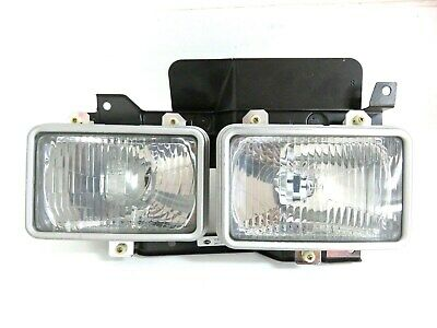 Brand New in Box Nissan Front RH Right Head Light PN 26010-Y9522