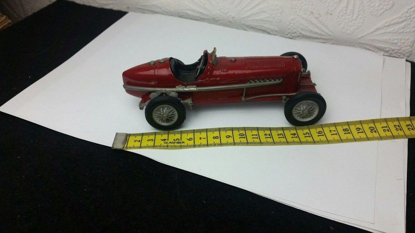 Wills Finecast 1 24 scale metal model CAR-Alfa Romeo racing car-rouge