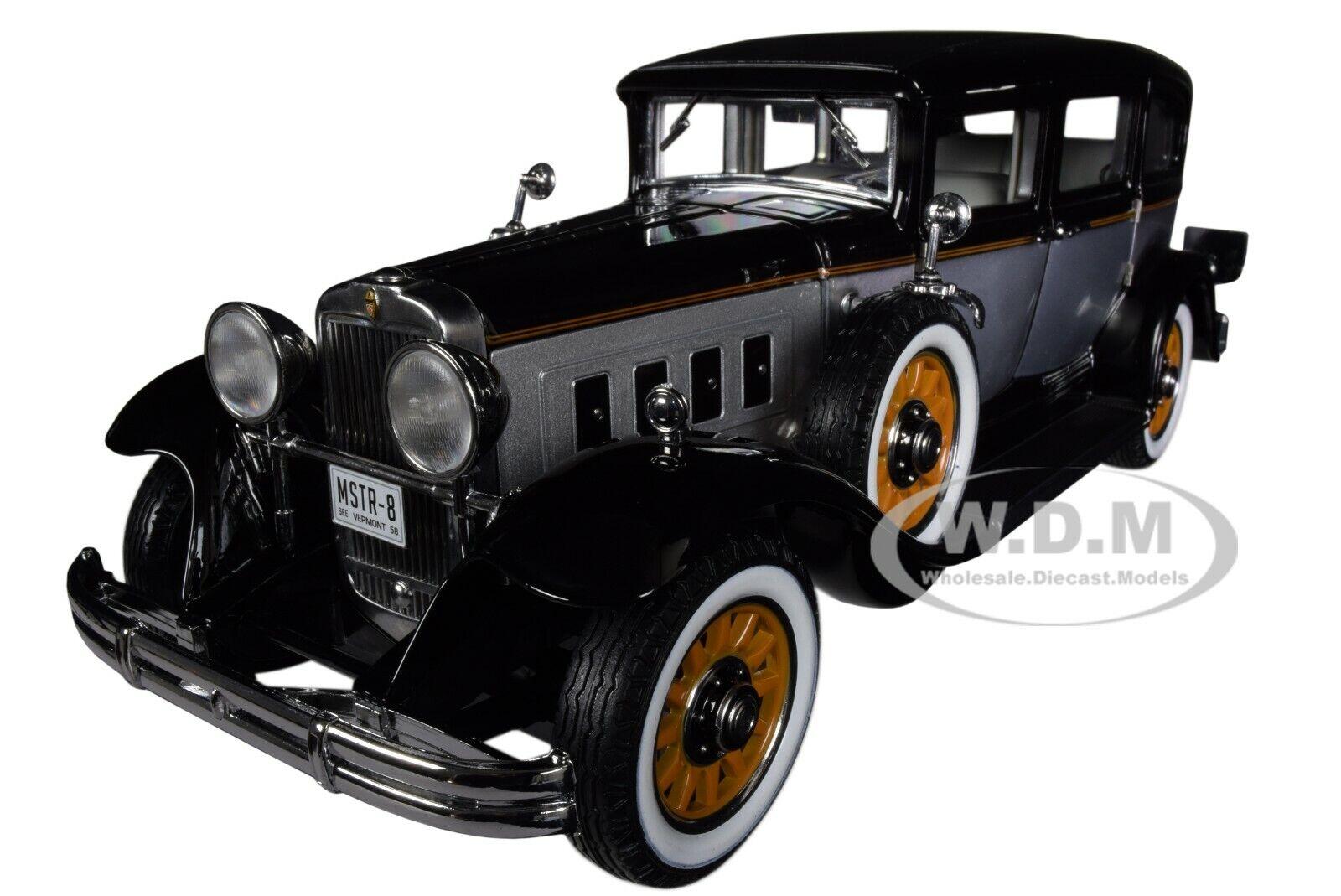 1931 Peerless Master 8 berline noir & argent 1 18 Diecast voiture par autoworld AW252