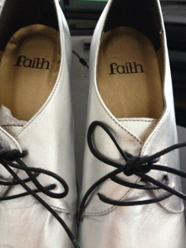 nuovo metallizzato scarpe zecca da Faith argento con Scarpe 7 taglia lacci di in neri nPqgfTf