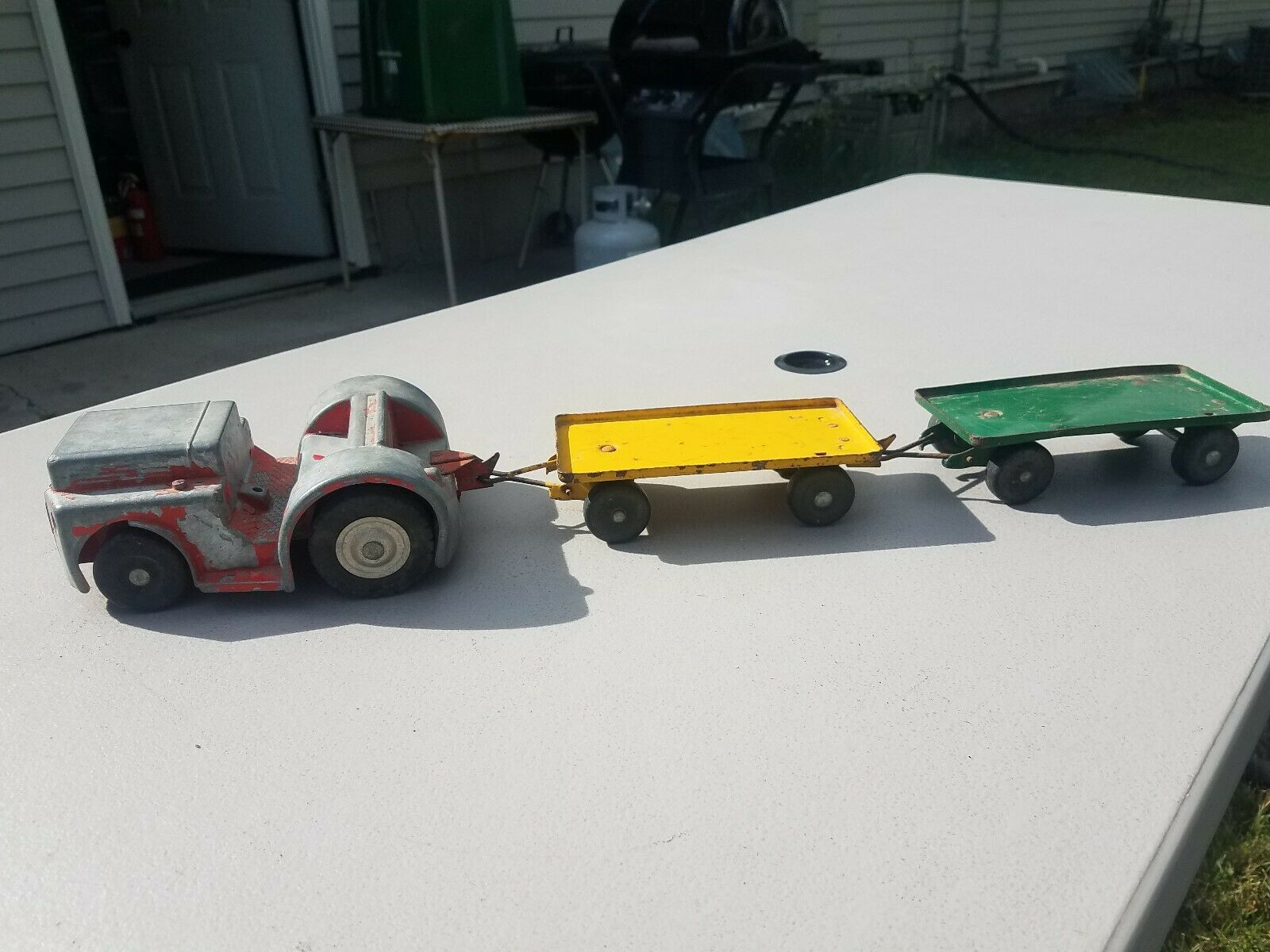 Rare 1950's Model Toys Company Clark Airport Tractor Mover & Carts   Trailers