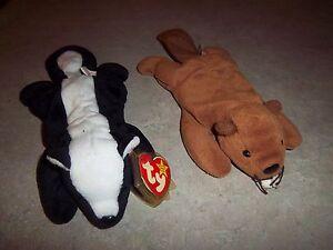 (2) Ty Original Beanie Baby - Stinky the Skunk - Bucky the Beaver - 1995