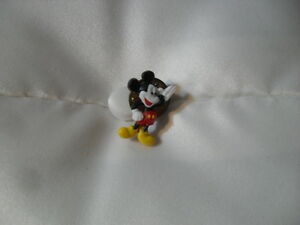 Disney-Pin-Mickey-Mouse-Mini-Pin