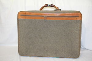 Vintage-HARTMANN-Brown-Tweed-Leather-Belting-Full-Size-Suitcase-Luggage-24x17
