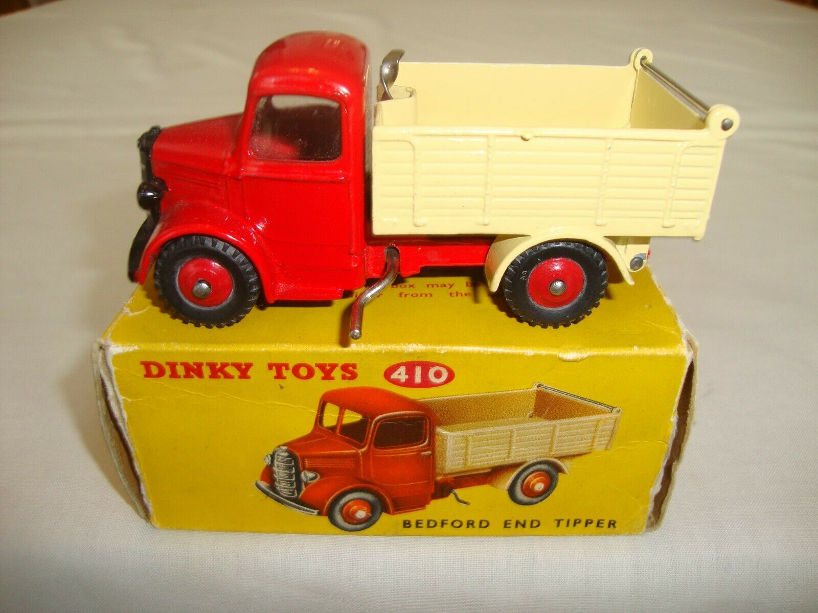 DINKY 410 BEDFORD END TIPPER (SvoitureCE TRANSITION VERSION)  - NR MINT in orig BOX  offre spéciale
