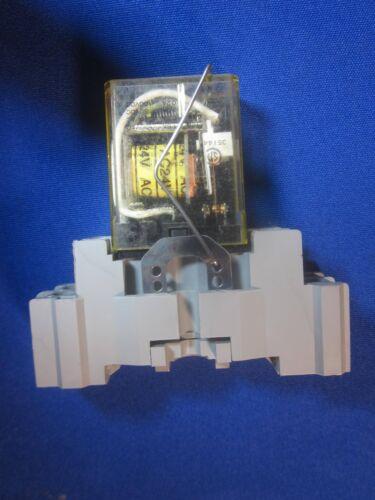 24 Volt 3 Amp DPDT Relay Idec RY25U 24828 On 35 MM Din Rail Mount