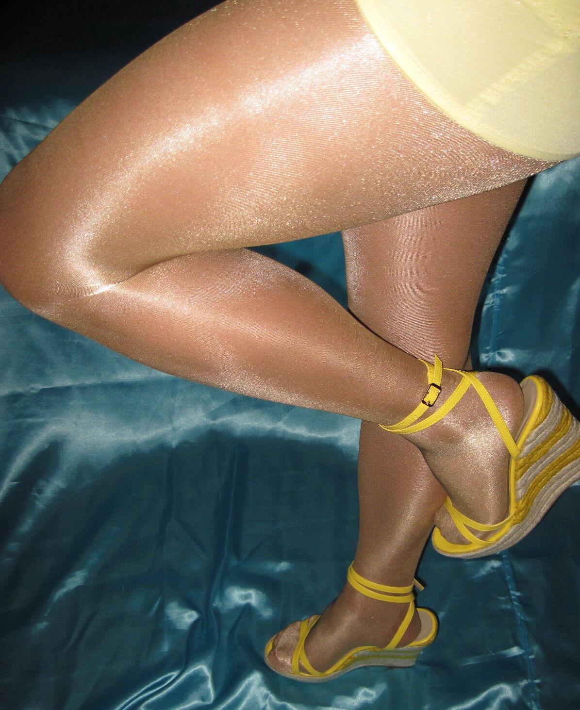 2 Pair Victoria's Secret Signature gold Glossy Smooth Pantyhose Oatmeal Medium