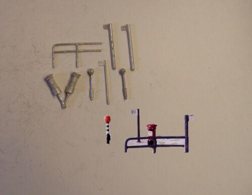 P/&D Marsh N Gauge n Scale C21 Bus stops//belishas//post box castings need painting