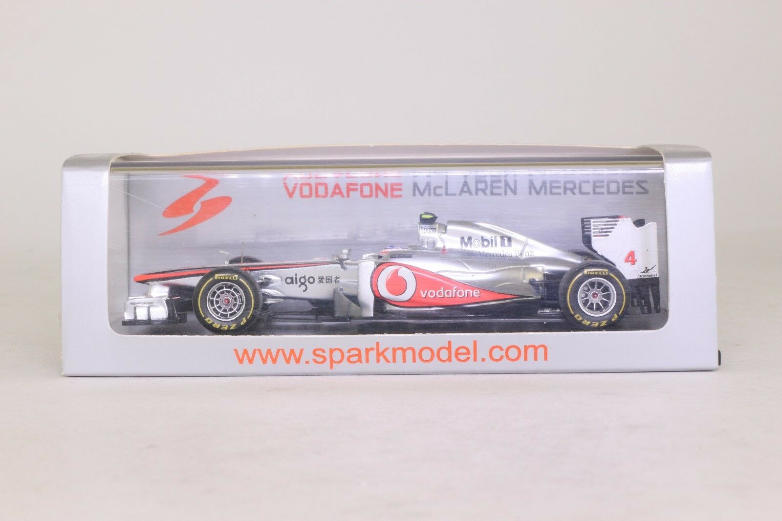Spark F1 1 43rd scale S3029 McLaren MP4-26 J. Button Hungarian GP 2011 200th GP