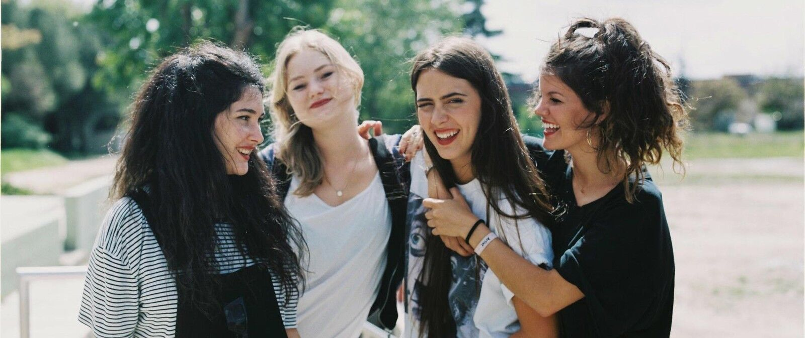 Hinds Tickets (21+ Event)