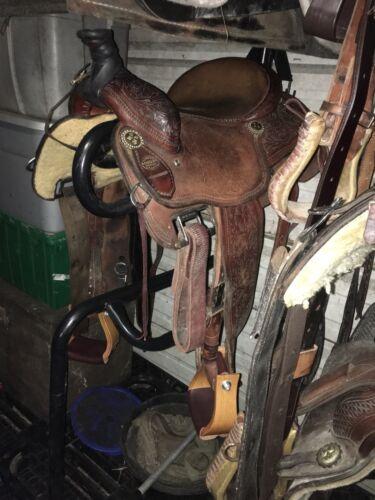 C-1564 Hilason 4 Inch Oak Wood Bell Horse Saddle Stirrups