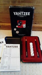 Vintage-Yahtzee-Travel-Game-hard-Case-by-MB-Games-c1982
