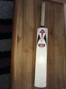 Slazenger V500 XK3 Bat Youngster Childrens Cricket
