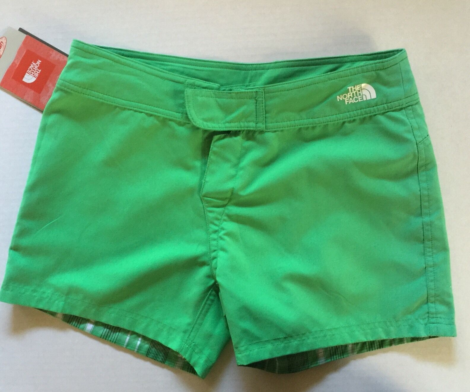 THE NORTH FACE WOMEN'S REVERSABLE SHORT NEW WITH TAGS  SPF 50 SZ 4