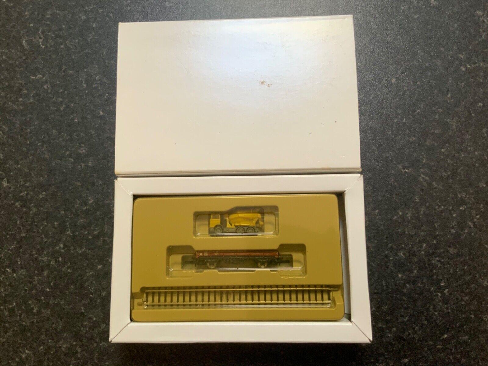 Marklin spur z scale gauge Road & Rail Special Set.