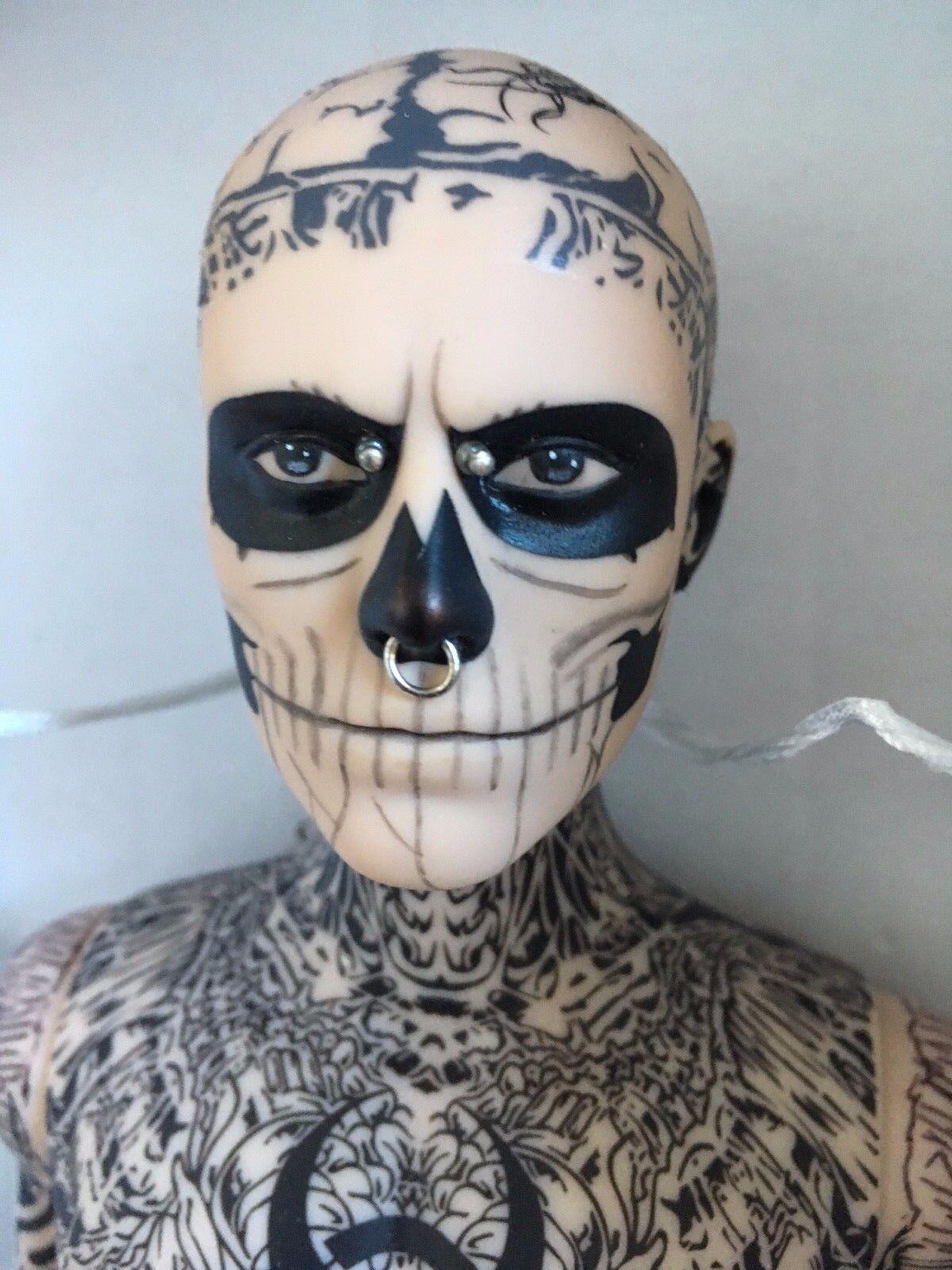 Exclusivo Rico Zombie Boy 17  Vinilo tatuado Figura Muñeco por Tonner LE500 con cajas