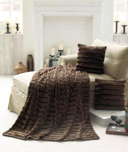 Details About New Sensuous Arctic Faux Fur Throw Blanket 2 Pillow Set Sable Brown Home Decor