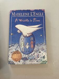 A Wrinkle in Time by Madeleine L'Engle (1973, Paperback)