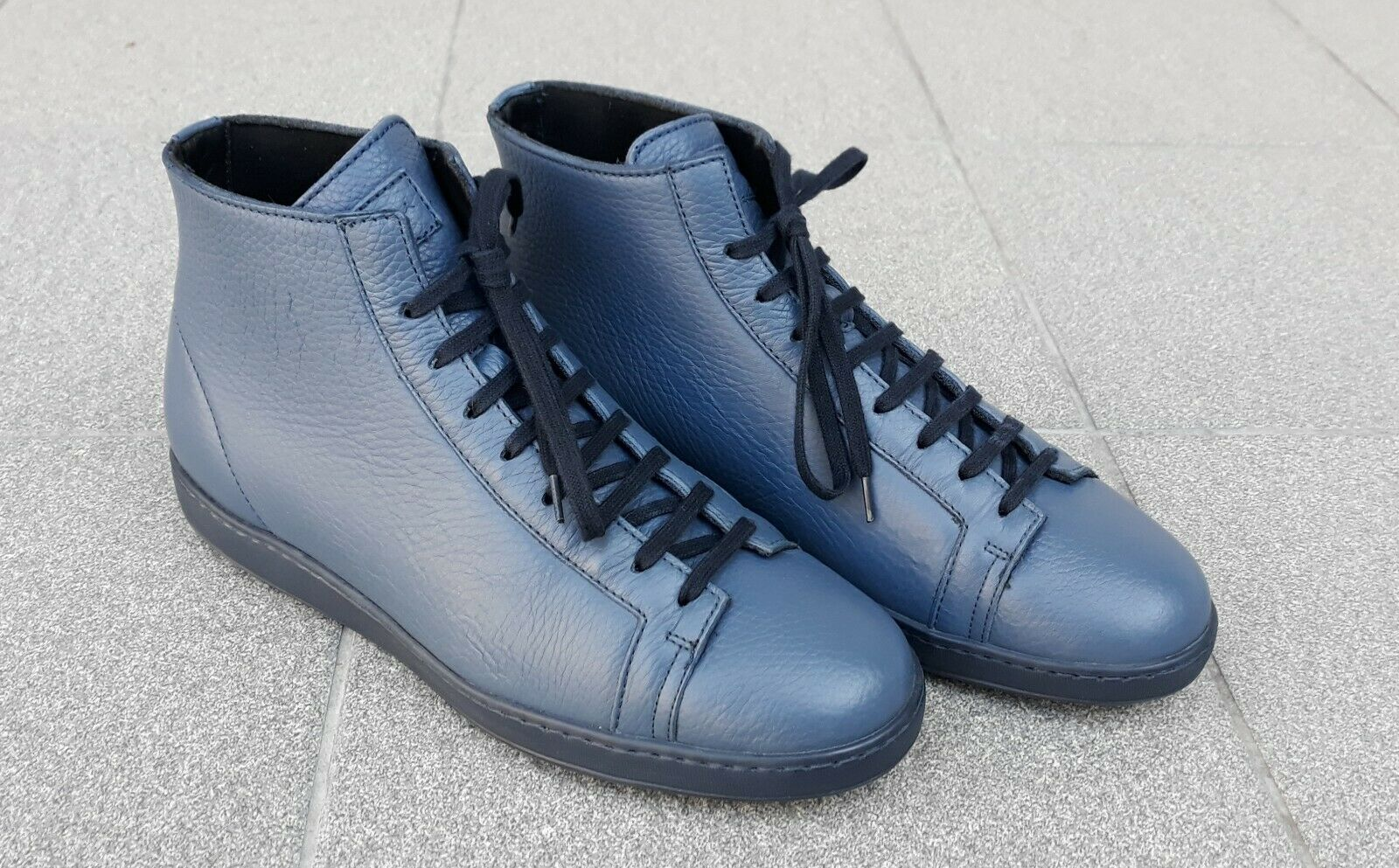 SANTONI - Men's Casual Leather High Top Sneaker Lace Up . Size 8,5