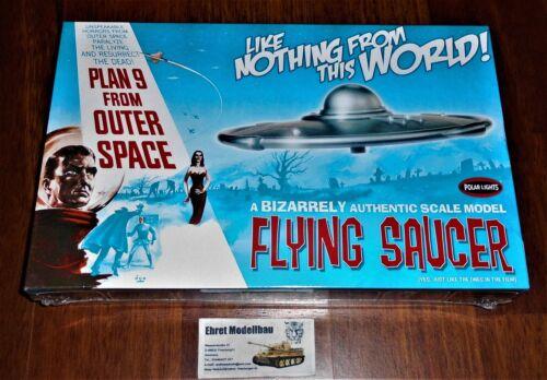 UFO fliegende Untertasse Plan 9 from Outer Space flying 1:48 Polar Lights 970