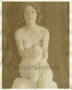 Beautiful-nude-seated-woman-antique-art-photo-by-Merrill-Newman