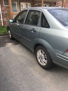 2004 Ford Focus ** very low KM's**