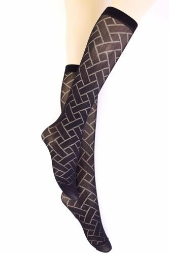 2 Pairs New Women  Black Knee High Patterned Pop Socks 40 DENIER One size P4