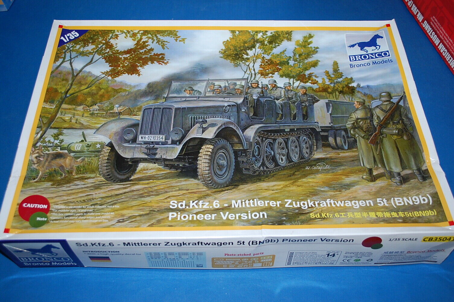 Bronco Models CB-35041 - Sd.Kfz.6 Mittlerer Zugkraftwagen 5t (BN9b)  scala 1 35