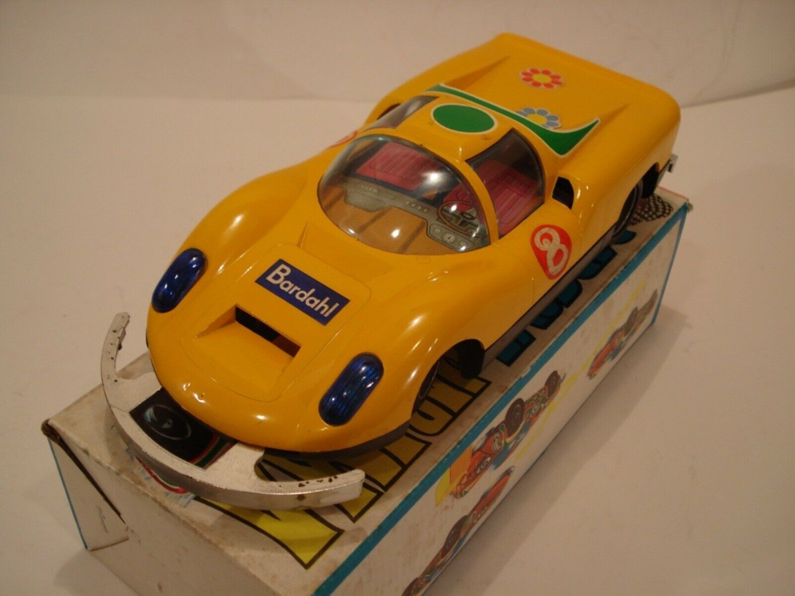 JYE (Spain) Porsche  910 Bardahl Battery-Operated NIB  produit de qualité