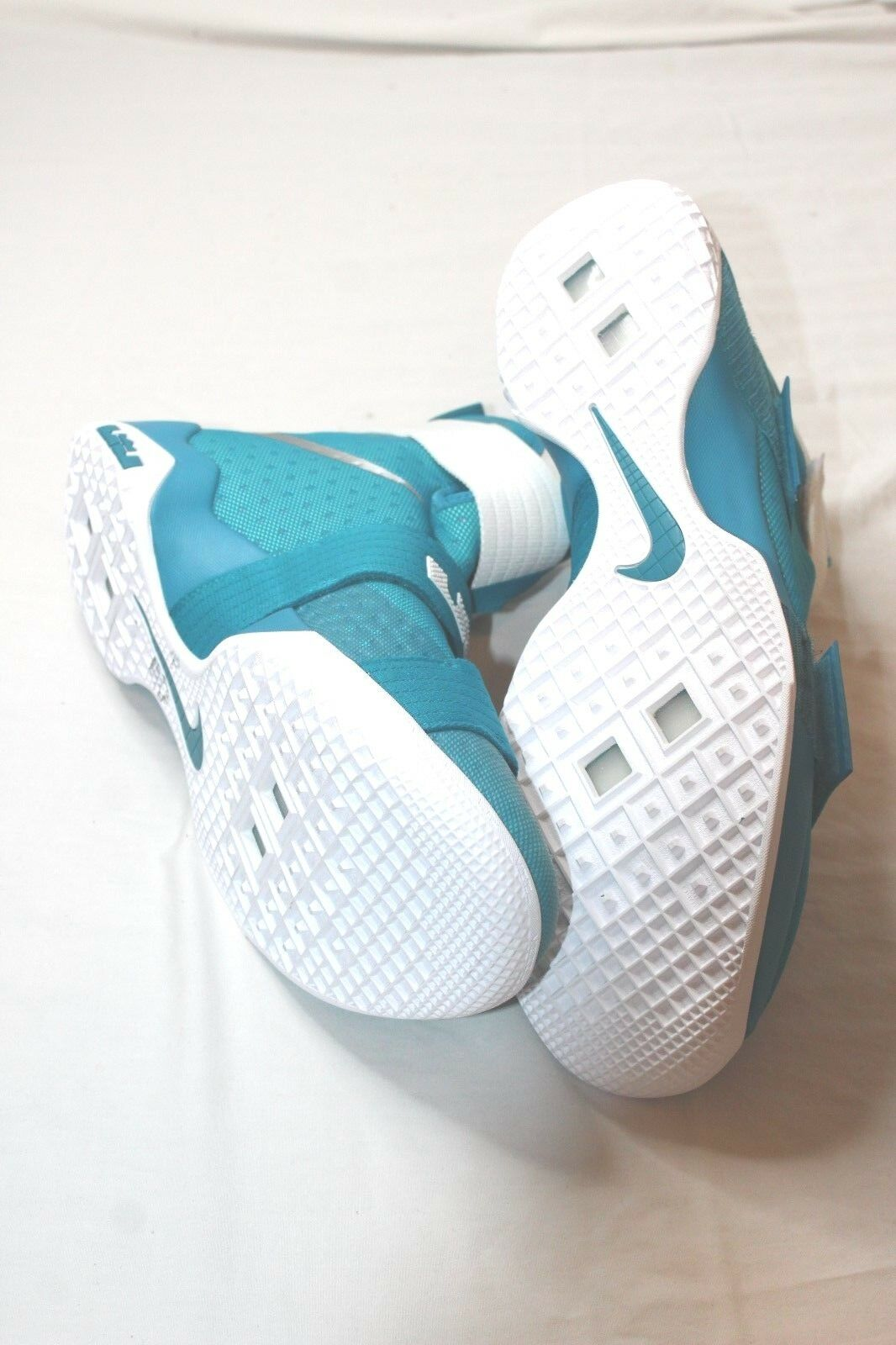 Nike LeBron Soldier 10 10 10  X 856489-332 Turquoise White Size 17.5 Retail  130 New 0c6303