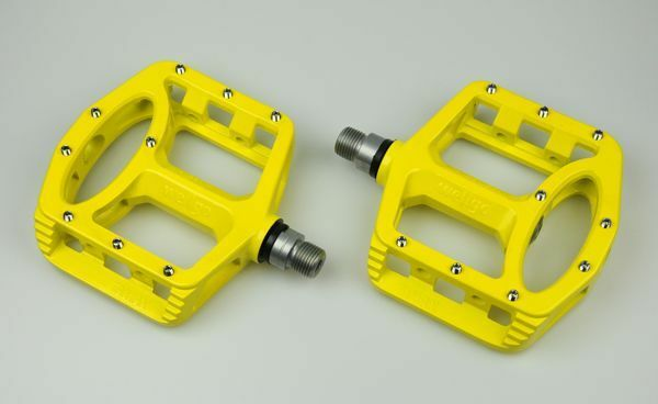 New Wellgo Platform MG-1 Magnesium Bike Pedal Fixed Gear MTB & BMX  - Yellow