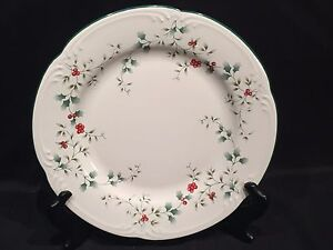 Image is loading PFALTZGRAFF-WINTERBERRY-DINNER-PLATE -Christmas-Winter-Holly-Berry- & Details about PFALTZGRAFF WINTERBERRY DINNER PLATE Christmas Winter Holly Berry Stoneware