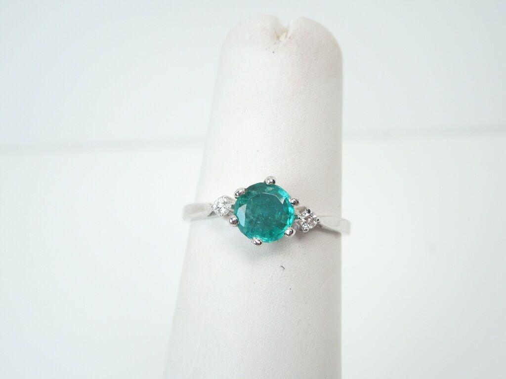 Emerald .77 ct tw Diamond .06 ct tw 14k White gold Ring  GAL APPRAISALGift Box