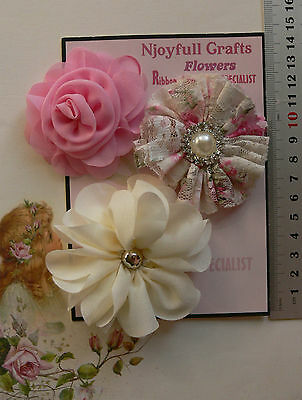 CREAM /& GOLD Mix Fabric Organza 3 Flower Pk 50-60mm Njoyfull Crafts