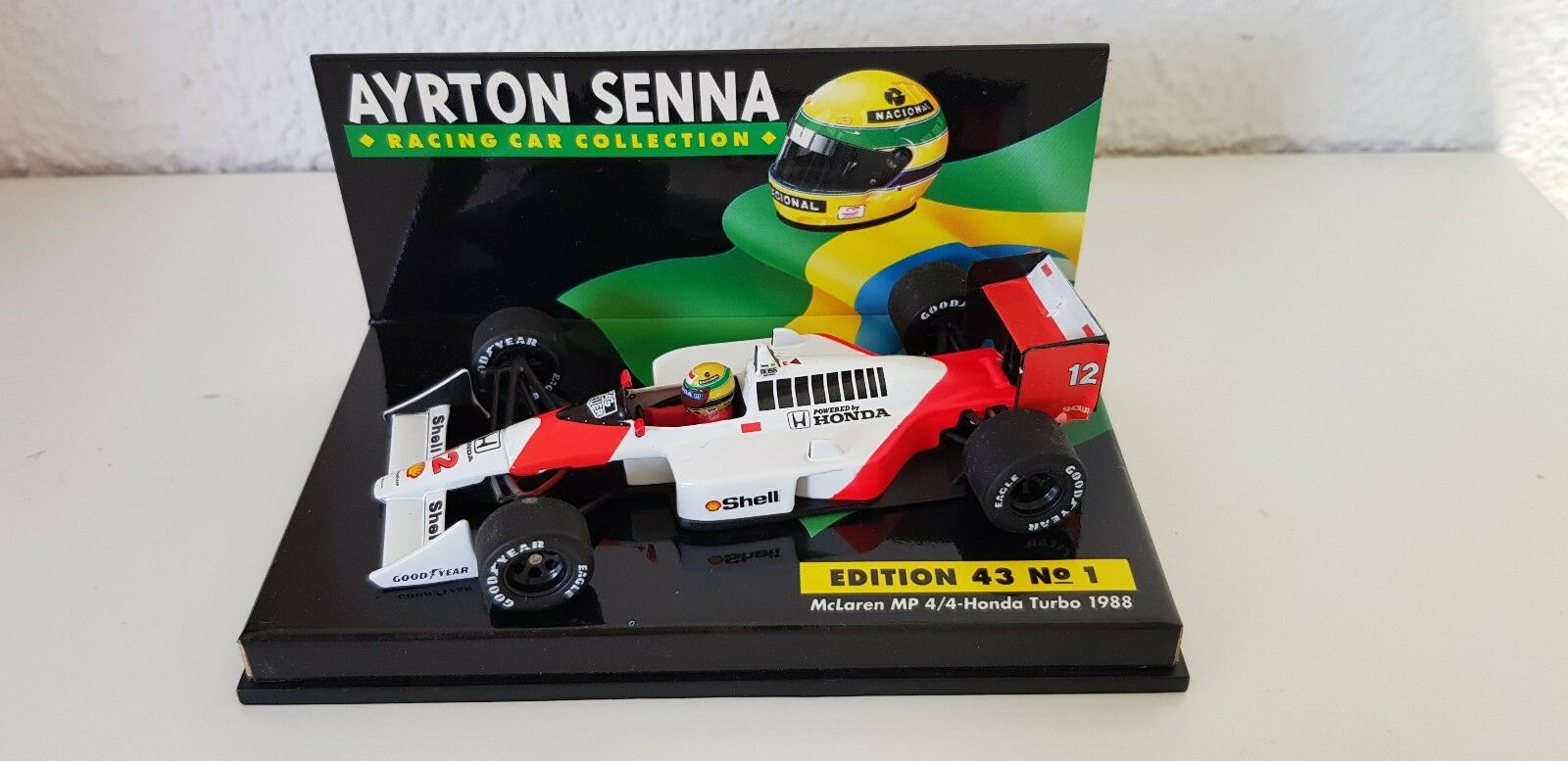 Minichamps 1:43 A. Senna COLLECTION nr 01 McLaren MP 4/4 World Champion 1988