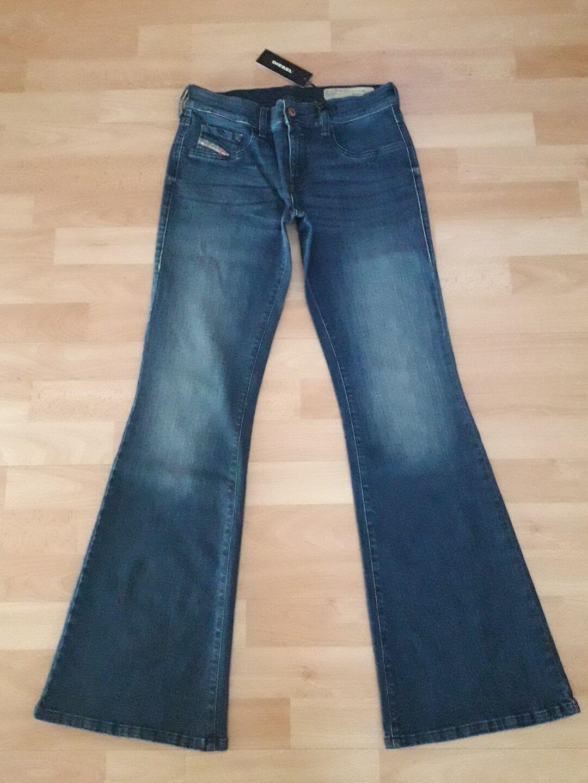 Diesel Jeans Stiefelcut LIVIER-FLARE WASH RI806 W29L30 (mit Maße)