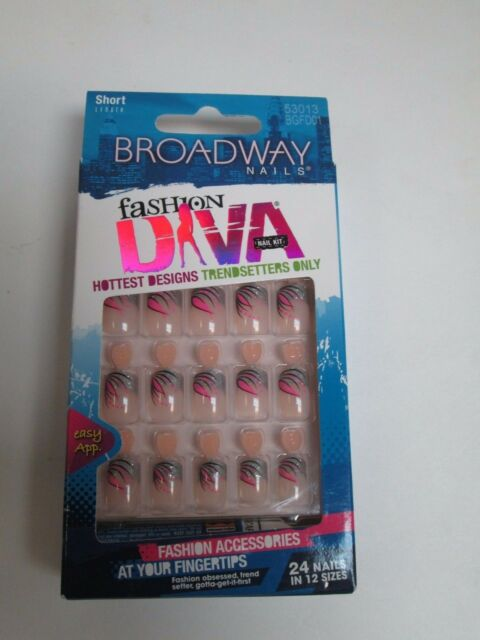 Kiss Broadway Fashion Diva Nails Silver Pink Tip Design Short
