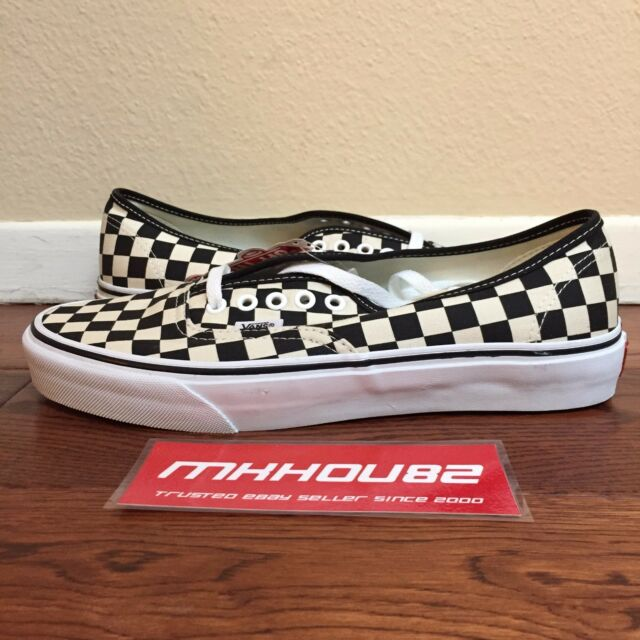 6c416260046 New Vans Authentic Checkerboard 2007 Release Checkered Black White Shoe  Size 9.5