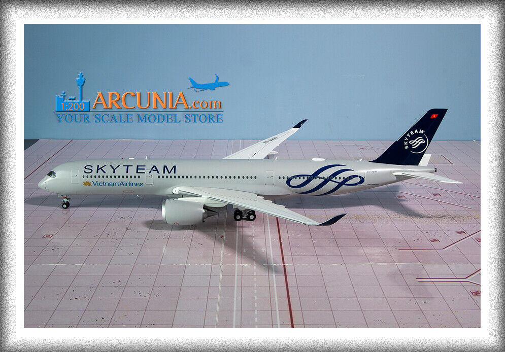 JC Wings 1 200 Vietnam Airlines Airbus a350-900  Skyteam - VN-A897  XX2056