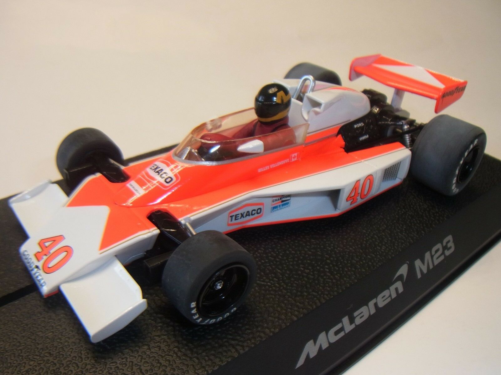Scalextric Mclaren M23 Villeneuve C2800 para Circuito de Coches Slot 1  3 2
