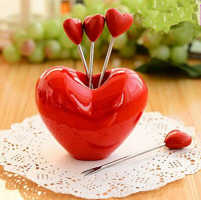 1Set Creative Stainless Steel Red Heart Fruit Fork Household Kitchen Tools Cute